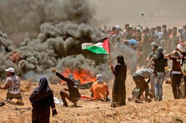 Hoy comenzaron tres días de luto en el territorio palestino, no obstante los enfrentamientos continúan