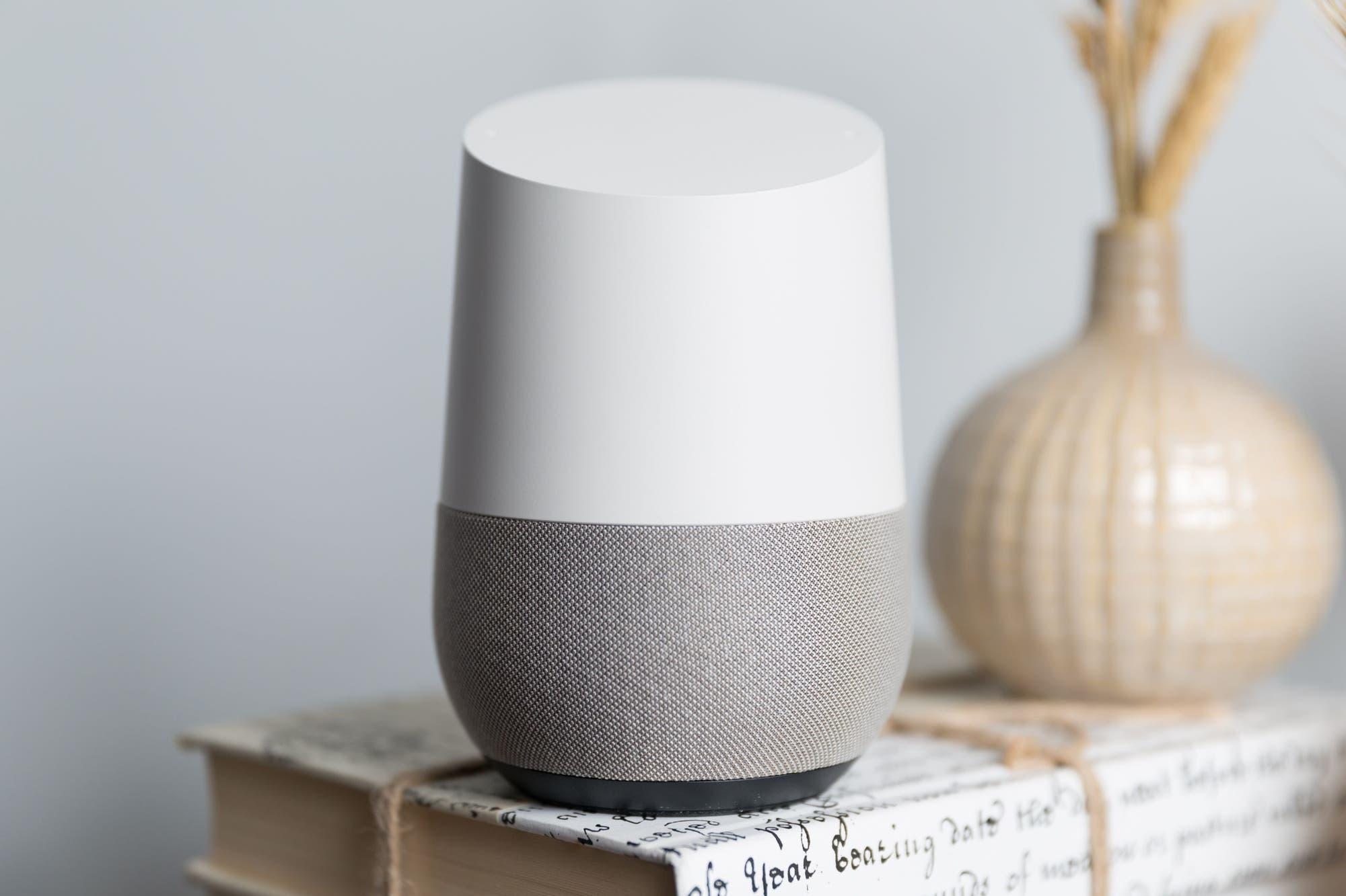 Muestran cómo controlar un parlante conectado a distancia con un láser