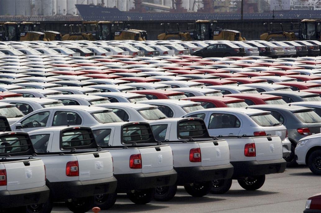 Digitalizarán los registros de autos para desarmar una millonaria caja política