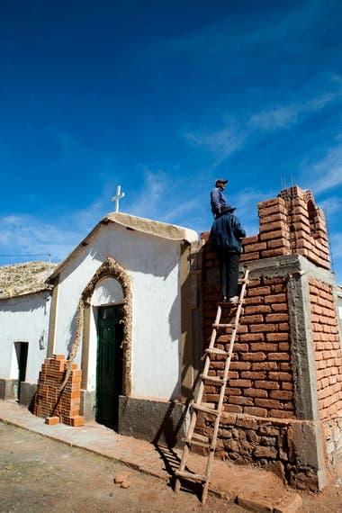 El Angosto es un poco más al norte de Santa Catalina. del otro lado de sus cerros, ya es territorio boliviano.
