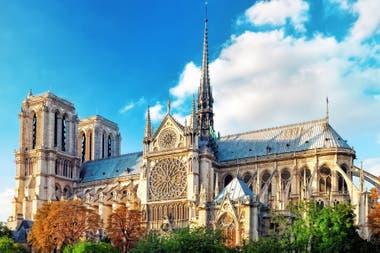 Notre Dame apenas sobrevivió a la Revolución Francesa, en parte gracias a la pluma de Victor Hugo