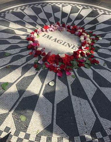 El siempre concurrido memorial en el Central Park neoyorquino