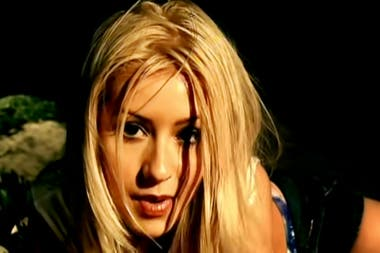 Christina Aguilera en el video de la canción Genie in the bottle