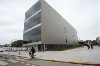 El Archivo General de la Nación muda sus tesoros a un nuevo edificio en P.  Patricios - LA NACION