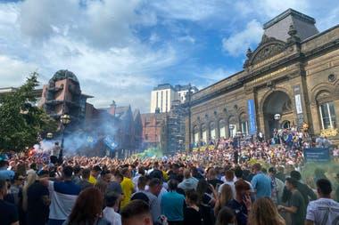 El festejo de los hinchas de Leeds luego de ascender