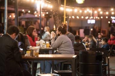 Los empresarios gastronómicos consideran que las nuevas restricciones pondrían en riesgo su supervivencia