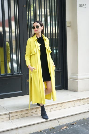 Trench y Vestido: Comite Apparel