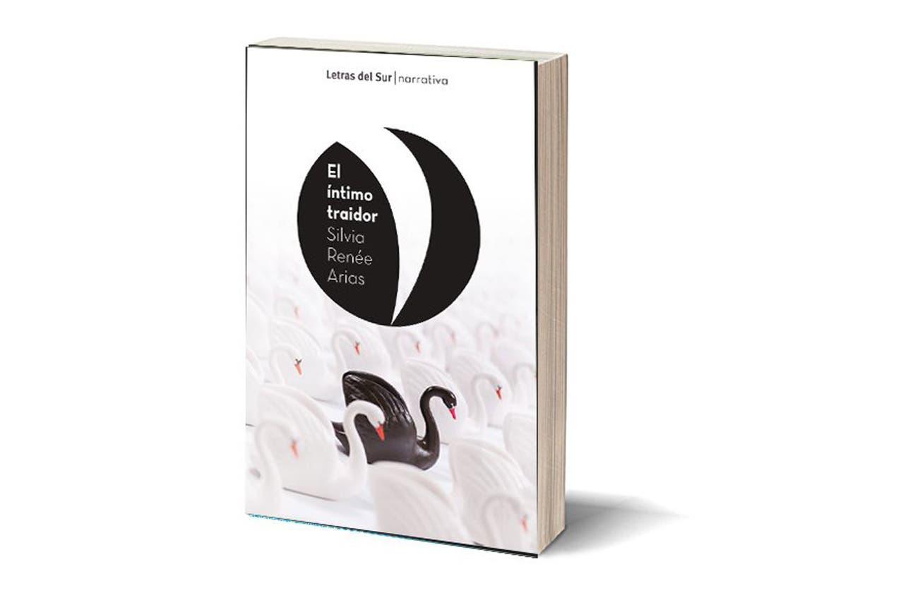 """""""El íntimo traidor"""", primera novela de Silvia Renée Arias, conocida por sus biografías sobre escritores"""
