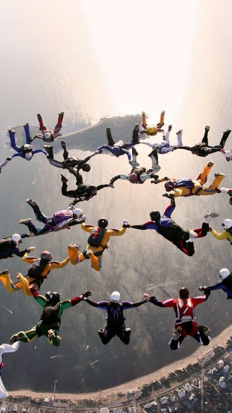 Del Paracaidismo Al Wingsuit Los Que Eligen El Riesgo Para