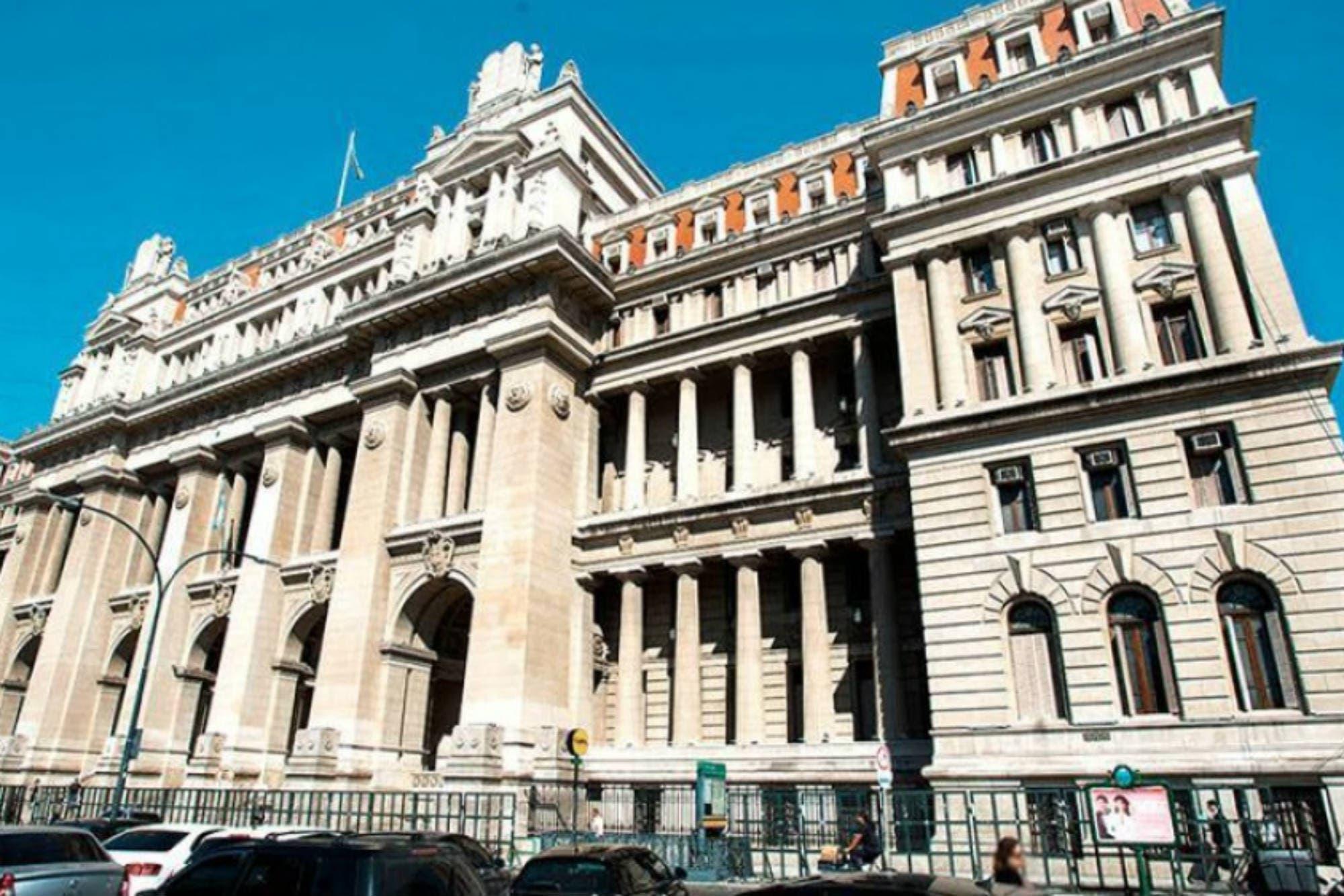 Jueces y fiscales debaten medidas ante la intimación de la ANSES para jubilarse
