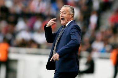 Gustavo Alfaro se refirió a la buena actuación del equipo en la altura de Quito