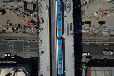 El viaducto Belgrano Sur que pasa por arriba de la Avenida Senz