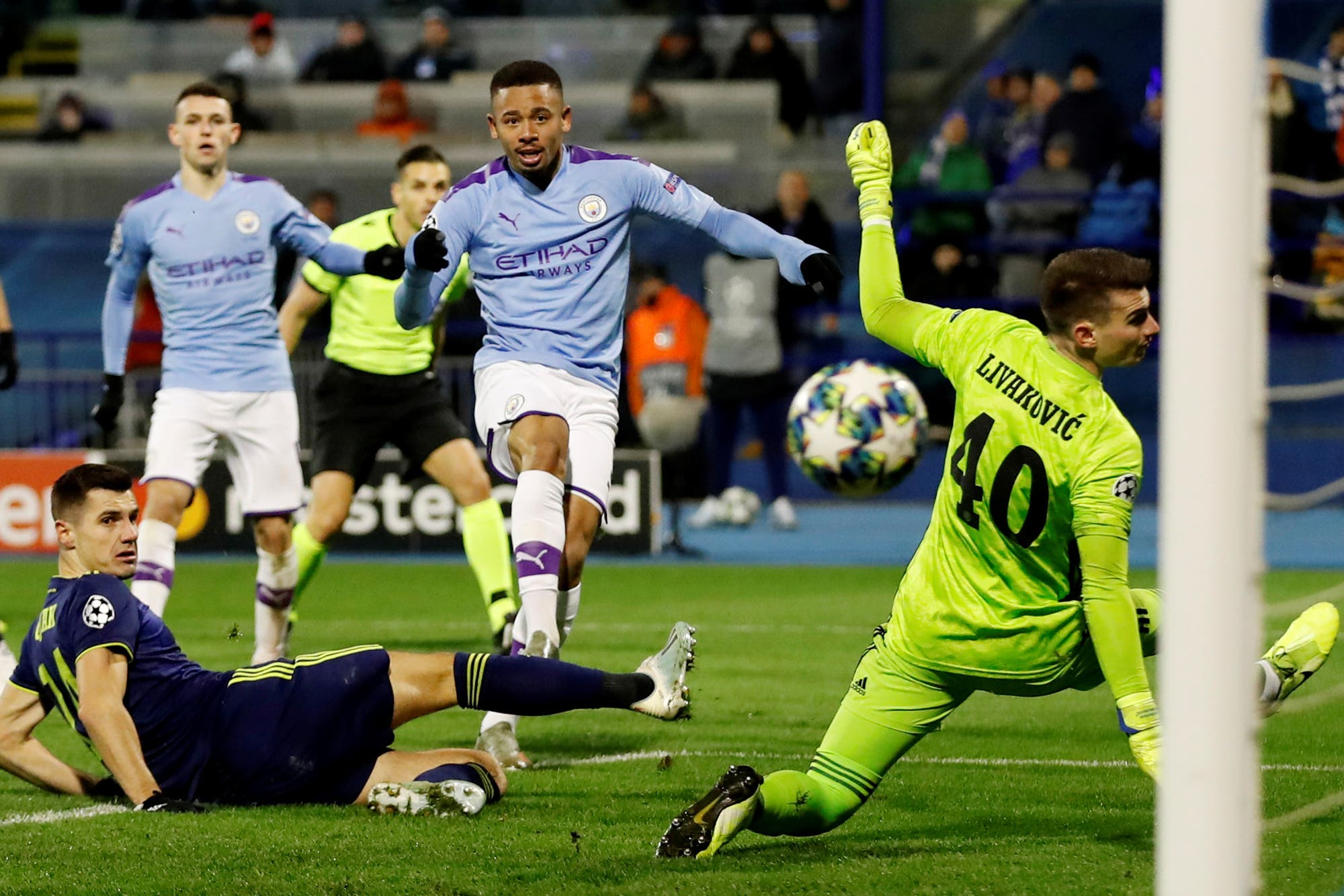 Manchester City goleó a Dinamo Zagreb con un hat-trick de Gabriel Jesús por la Champions League