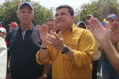 El diputado Luis Parra, antiguo opositor señalado como partícipe de un escándalo de sobornos, fue designado hoy presidente de la Asamblea Nacional
