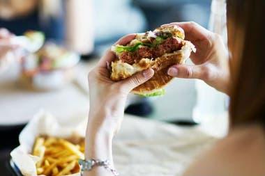 Hay más azúcar y carbohidratos y menos proteína en su hamburguesa vegana
