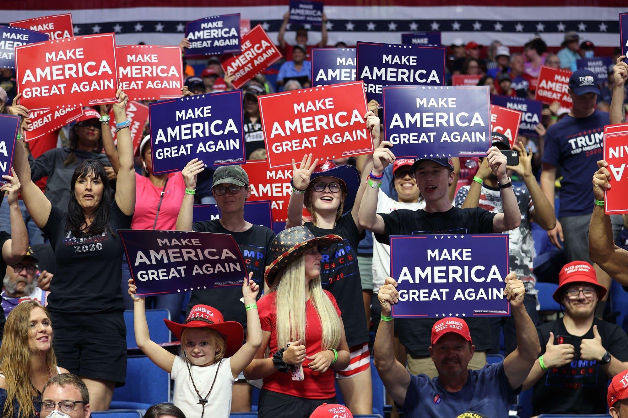 Trump busca darle impulso a la campaña con un polémico mitin