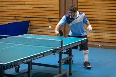 El tenis de mesa es una de las cuatro disciplinas paralímpicas que volvieron este martes al Cenard.