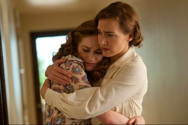 Evan Rachel Wood y Kate Winslet en Mildred Pierce, dirigidas por Todd Haynes