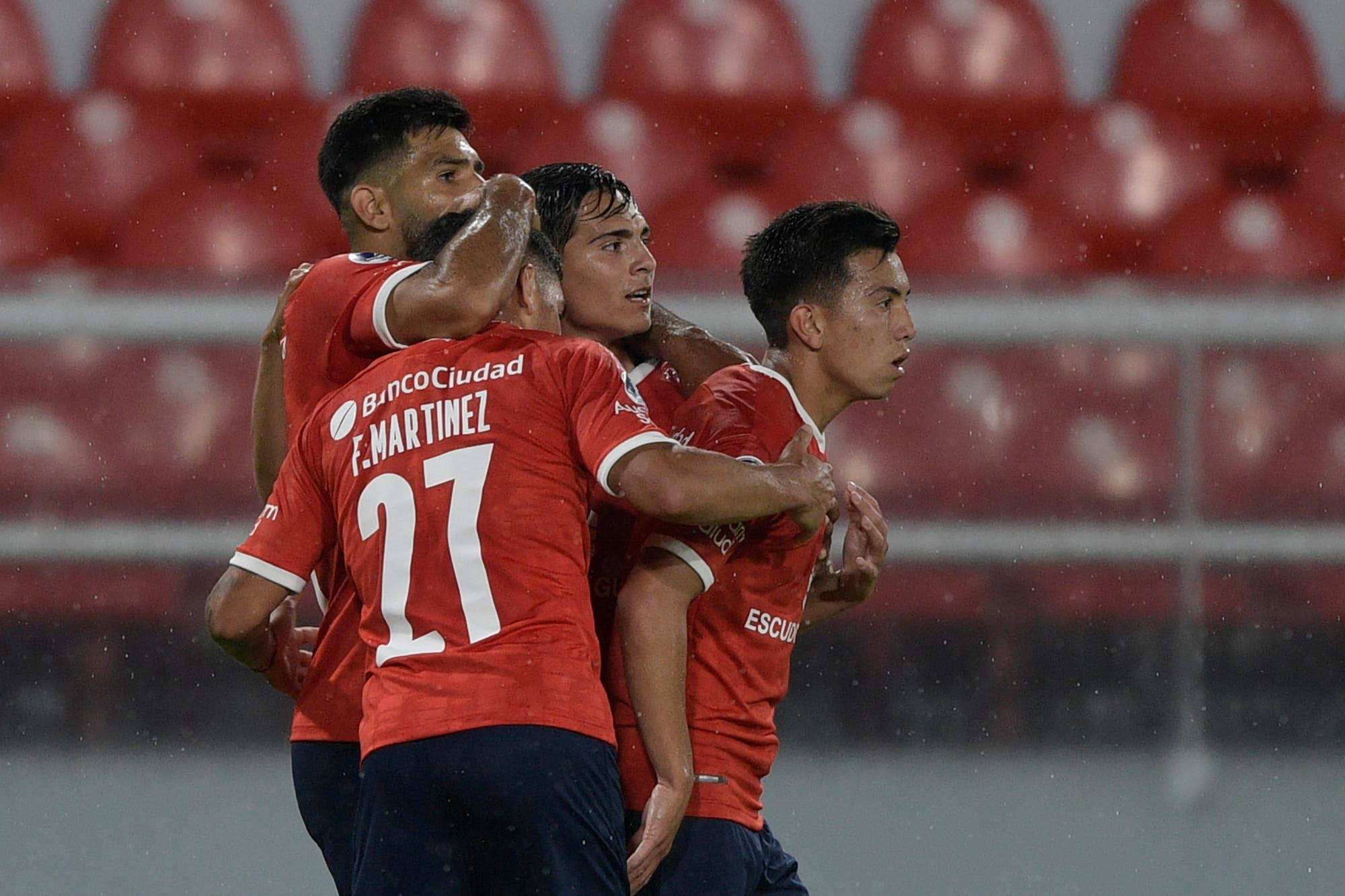 Independiente le ganó 1 a 0 a Fénix, se clasificó a cuartos de final de la  Copa Sudamericana y se medirá ante Lanús - LA NACION