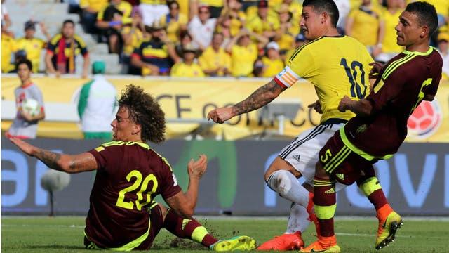La definición: James Rodríguez anota el 1-0