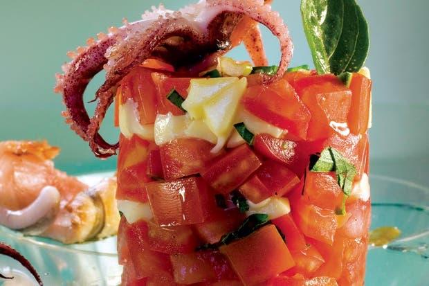Receta de Ensalada de chipirones con tomate y queso mozarrella