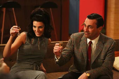 "Mad Men. El creador de la serie, Matthew Weiner, debió pagar 250.000 dólares por los derechos de ""Tomorrow never knows"", de The Beatles"