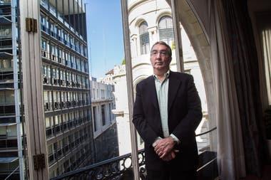 El líder global de Telecomunicaciones de Deloitte afirma que el uso de celulares crecerá aún más en todo el mundo; advierte que en la Argentina falta inversión