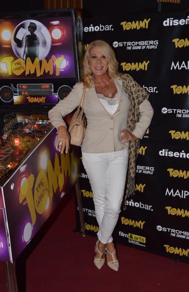 Reina Reech no quiso perderse el debut de Tommy, la ópera rock que se presenta en el teatro Maipo