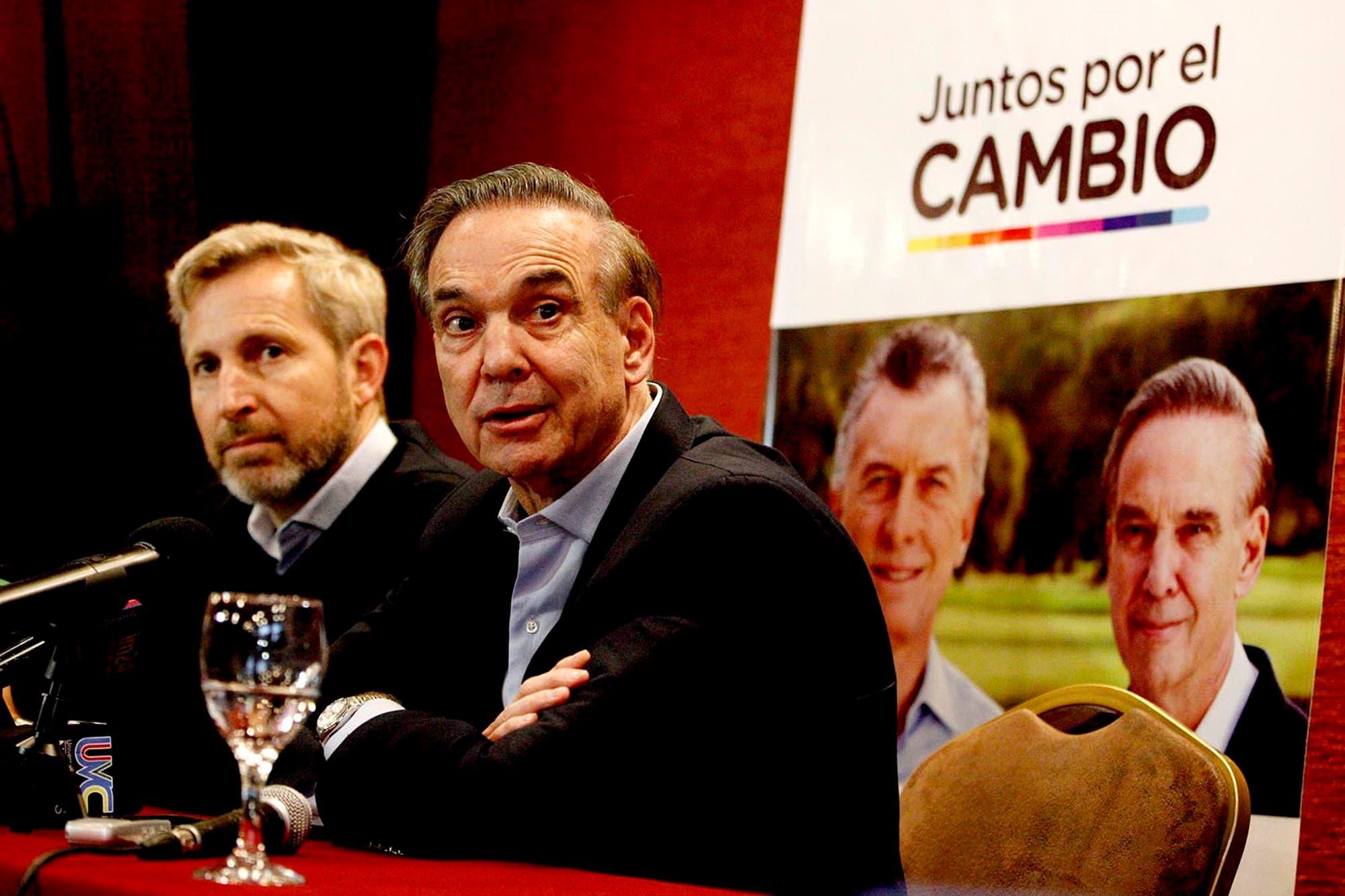 Miguel Ángel Pichetto llamó dos veces a Alberto Fernández, pero no le contestó