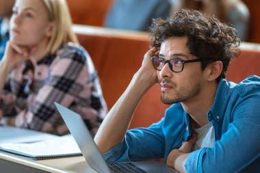 Al analizar el rostro de una persona presente en una clase o encuentro, los sistemas pueden ayudar a determinar el nivel de atención que le está dedicando a la reunión