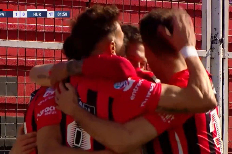 Patronato venció a Huracán en Paraná y alimenta su sueño de permanecer en la Superliga