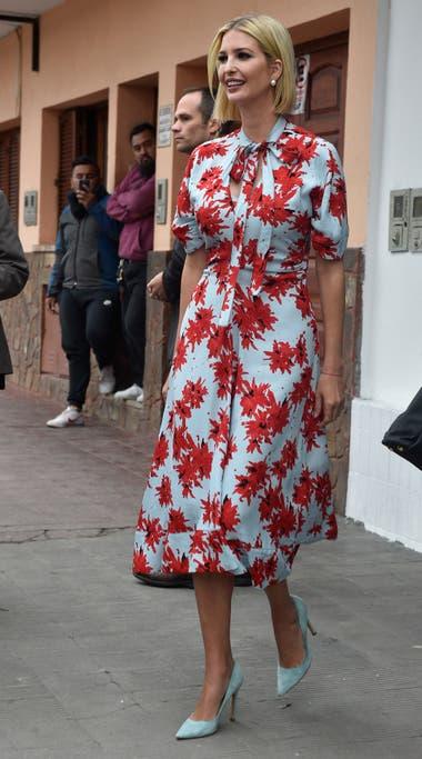 También optó por los motivos florales durante su visita a Jujuy