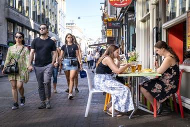 Turistas en Ámsterdam, el 21 de agosto pasado