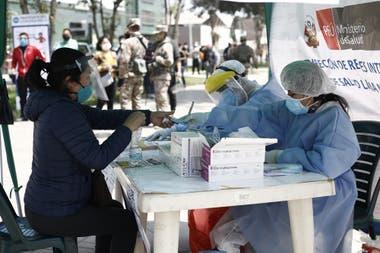 Perú prepara la reactivación de su economía