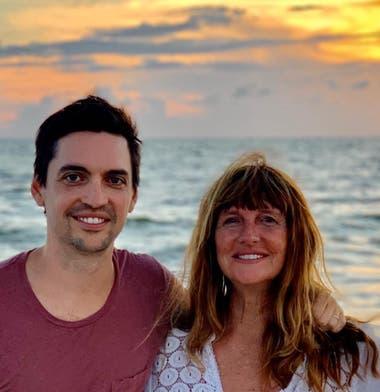 Karen Green viajó a visitar a su hijo que espera familia
