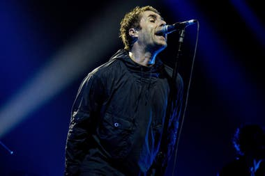 Liam Gallagher no logra recuperarse de una infección respiratoria