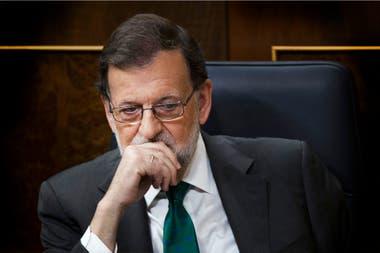 Se realiza la sesión en el Congreso promovida por la oposición socialista, que convertirá presidente al socialista Pedro Sánchez