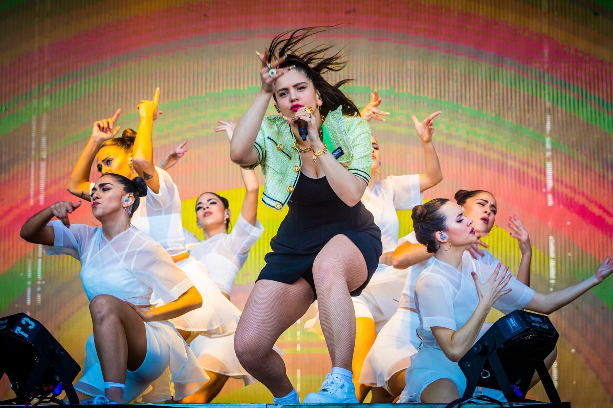 Rosalía estrenó en vivo su nuevo tema con J Balvin