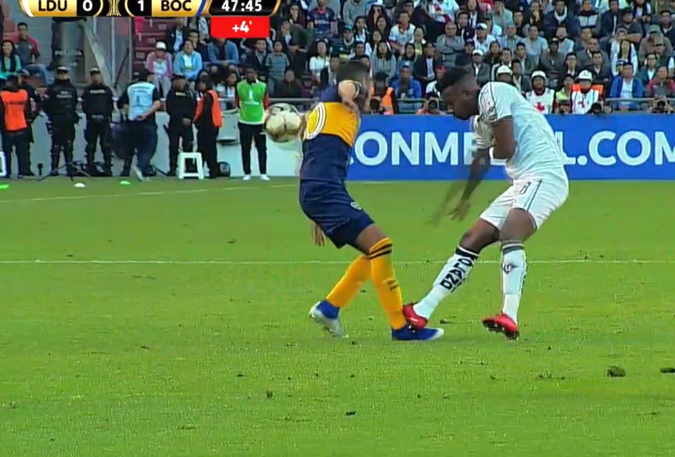 Liga de Quito-Boca, por la Copa Libertadores: el pisotón que sufrió Reynoso y que le costó la expulsión a un ecuatoriano