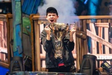 Kyle Giersdorf, también conocido como Bugha, ganó US$3 millones en la Copa Mundial de Fornite el mes pasado