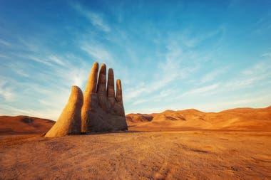 El gigante enterrado y otras teorías
