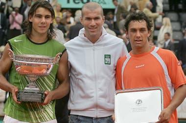 El 5 de junio de 2005, Puerta jugó la final de Roland Garros y perdió con Rafael Nadal; Zinedine Zidane participó de la premiación.