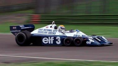 Despedida con podio: el Gran Premio de Japón 1977, en el trazado de Fuji, la última presentación del Tyrrell P34; en dos temporadas, con ese revolucionario modelo, la escudería logró una victoria, en el GP de Suecia 1976, y otros 13 podios