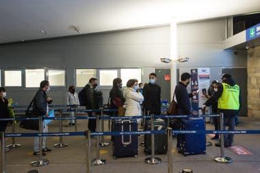 Recomiendan llegar al aeropuerto con anticipación para pasar por los controles sin contratiempo