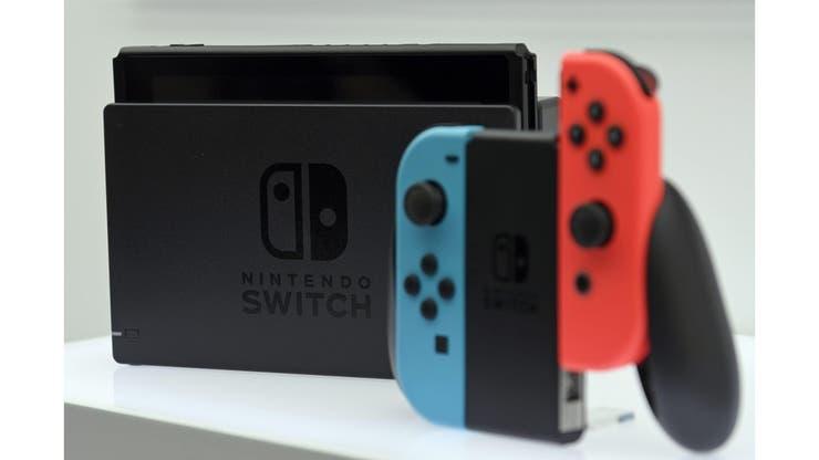 Los joy-con, como los llama Nintendo, pueden usarse por separado o unidos para formar un gamepad clásico