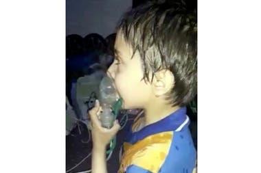 Muchos niños debieron ser asistidos con máscaras de oxígeno