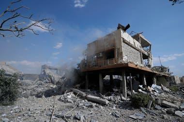 Así quedó el Centro de Estudios Científicos e Investigación Sirio tras el bombardeo