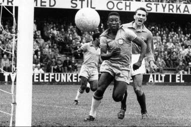 Nace una leyenda: Pelé, campeón con 17 años en Suecia 1958