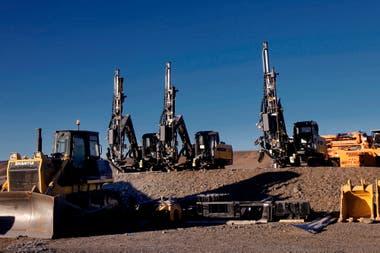 Maquinaria pesada para realizar la modificación del terreno