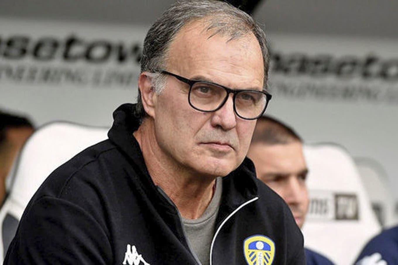 Bielsa pierde con su idea antes que hacer un cambio defensivo en Leeds